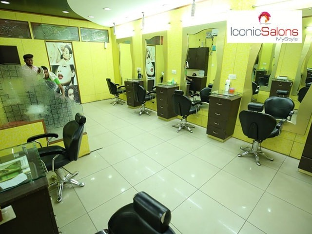 Iconic Salon Jalandharr- Get 8 Beauty Services in Rs. 2199 Only