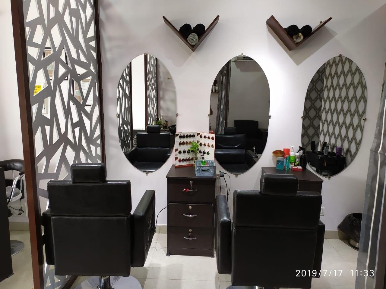 Colorfuzion Unisex Salon - GET HAIR CUT + HEAD WASH+ BLOW DRY FOR LADIES IN 199 ONLY.
