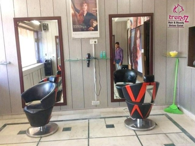 Trendz Hair and Beauty Salon - Get smoothening + Hair spa+Hair cut  Medium length Hair (Loreal, wella) in Just Rs.1799