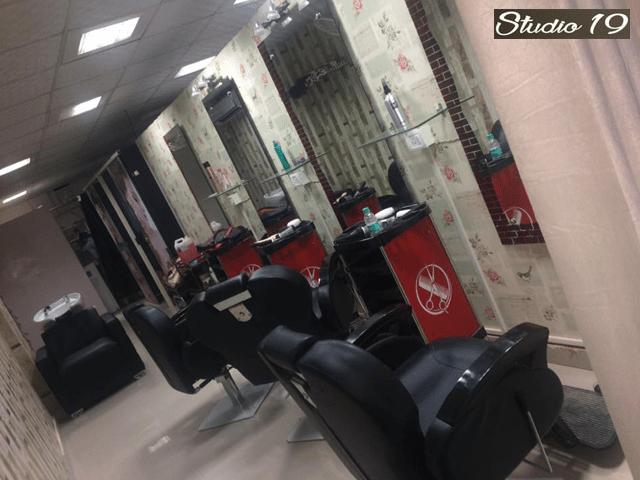 Studio 19 Unisex Salon