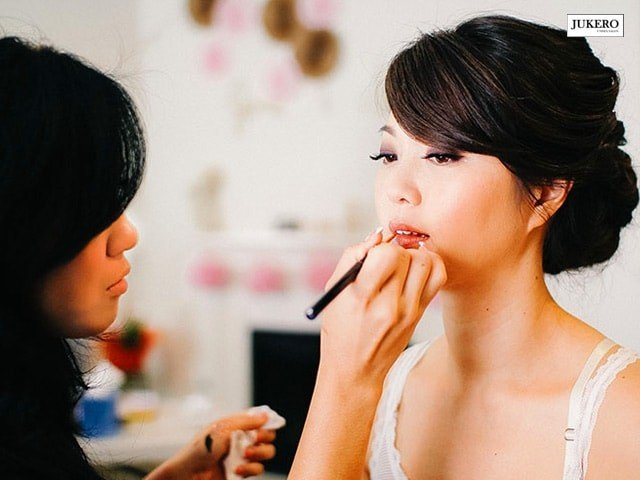 Jukero Unisex Salon Mohali- Get Party Makeup ( Normal )  Services in Rs. 700 Only