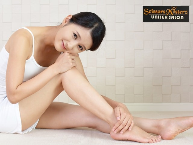 Scissors Masterz Mohali- Get Rica Full Arms + Under Arms + Full Legs + Bikini Waxing in Rs.1499 Only