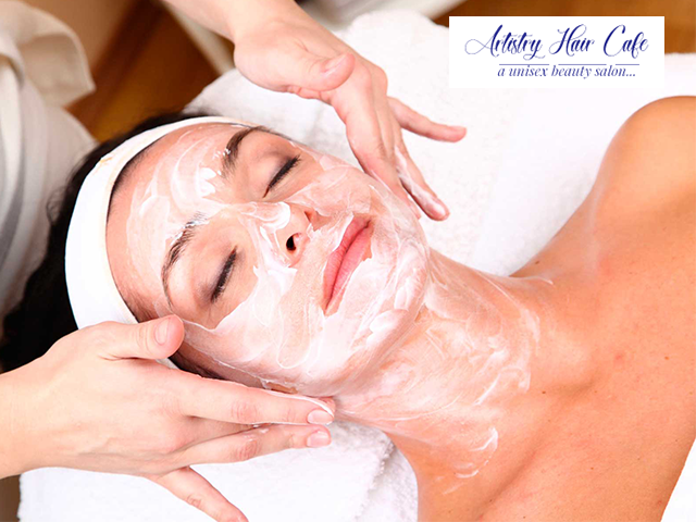 Artistry Hair Cafe Mohali - Diamond Facial Package and beauty service For Females in Rs.949 Only