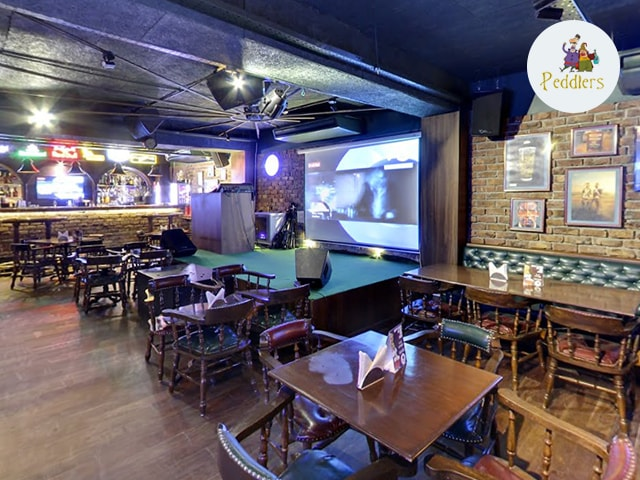 Peddlers Amritsar- Get 4 Mug Draught Beer with 1 Veg Pizza just Rs.599