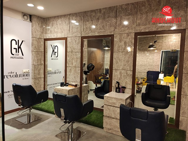 Knuckout Zirakpur- Get 12 Premium Services in Rs.1499 only