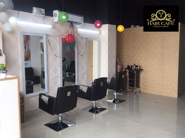 Hair Cafe-Get 12 Beauty Services Only in Rs.599