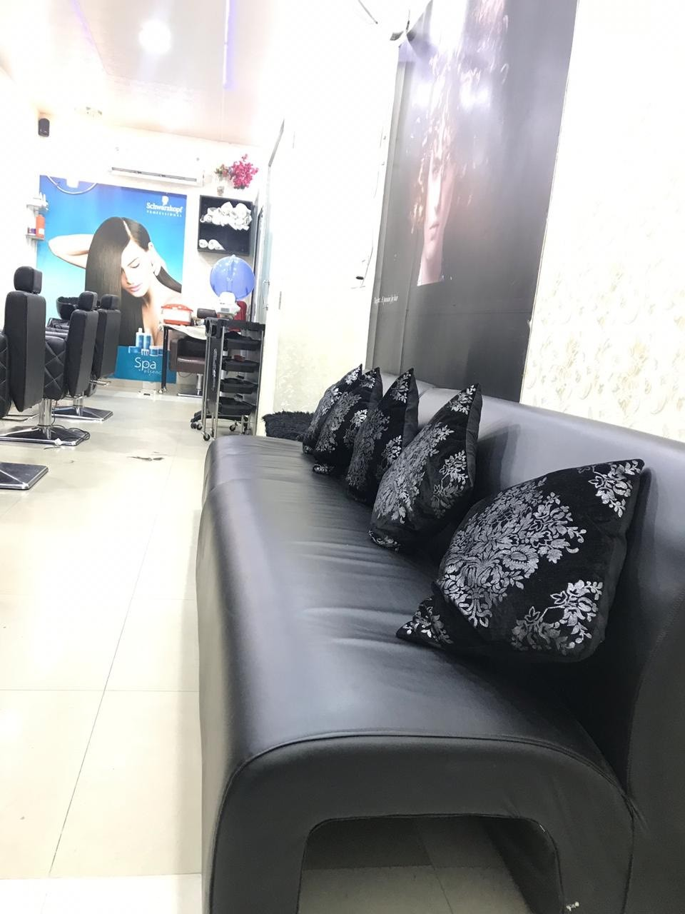 Ellcanes Unisex Salon - Get any 10 Services in 999 only