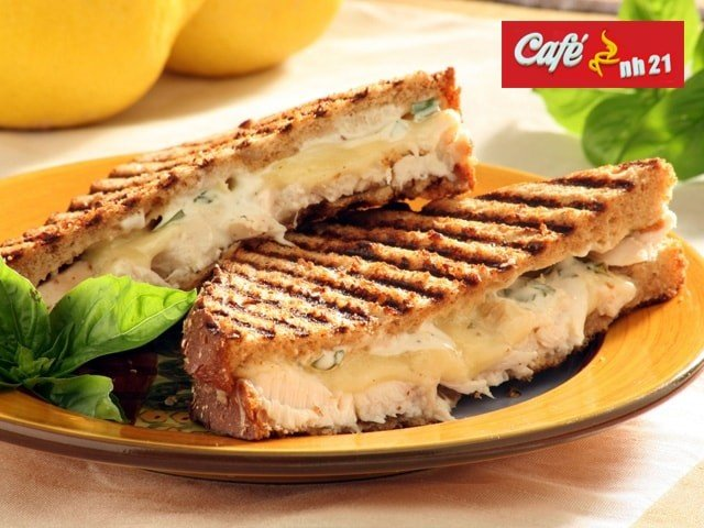 Cafe NH 21 Kharar-  Get 1 Veg Grilled Sandwich + 2 Hot Tea/Lemonades for 2 People in Rs. 85 Only