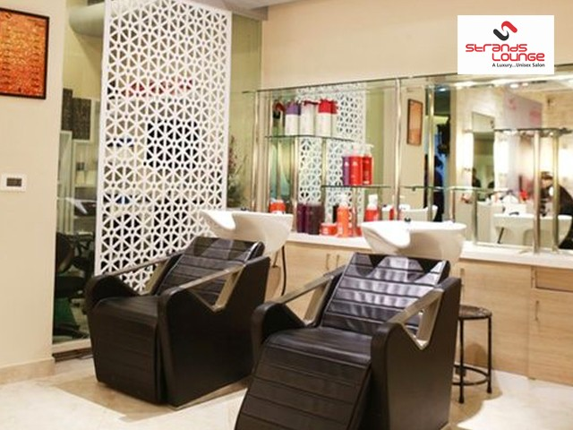Strands Saloon Delhi- Get Haircut+Hairwash For Male in Rs.199 only