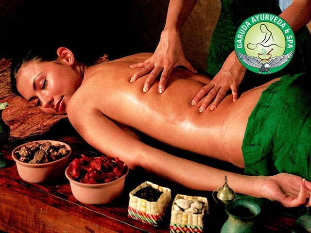 Life Line Spa Chandigarh - Get Kerala Traditional Ayurveda Massage in Rs.999 Only