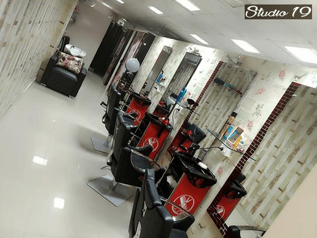 Studio 19 Unisex Salon- Get 9 Beauty Services For Women