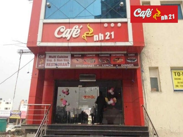 Cafe NH 21 Kharar- Get 1 Chicken Cheese Burger in Rs. 59 Only ( Taxes Included )