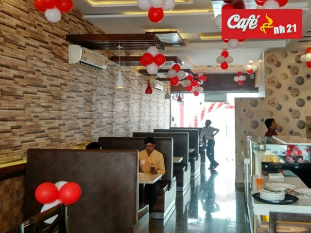 Cafe NH 21 Kharar-  Get 1 Non Veg Grilled Sandwich + 2 Hot Tea/Lemonades for 2 People in Rs. 109