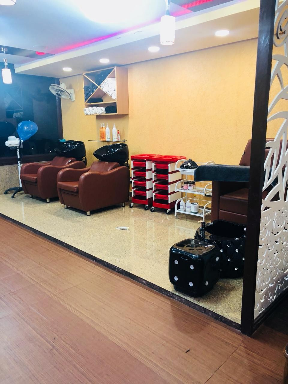 Cuticle Hair Mafia Salon Mohali - Get Manicure and Pedicure just in Rs 499 Only.