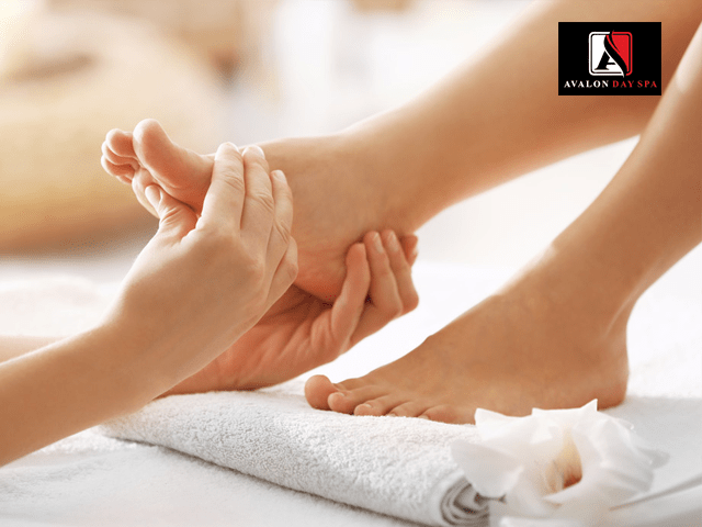 Avalon Day spa Chandigarh-Get  Foot Massage  in Rs.599 only