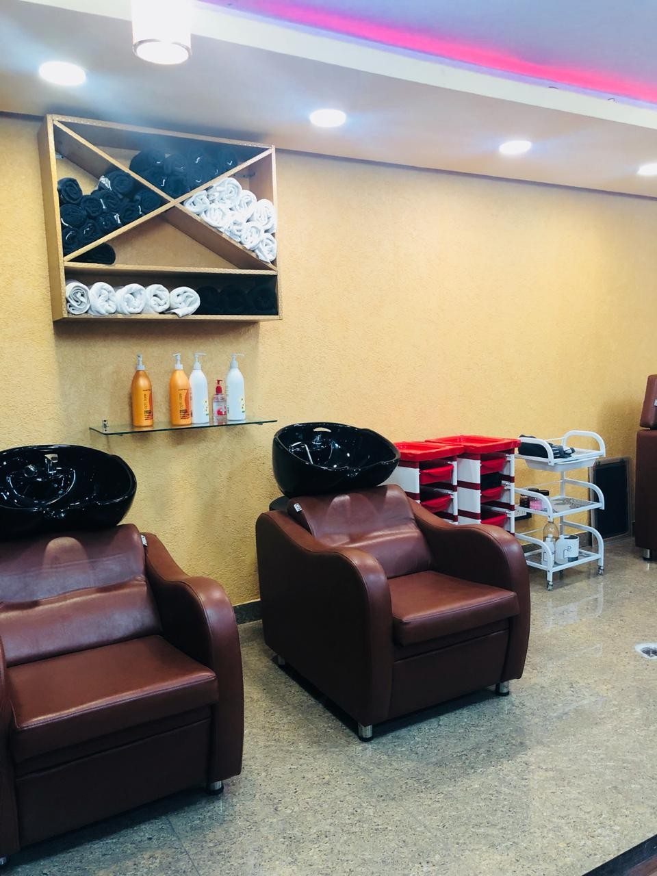 Cuticle Hair Mafia Salon Mohali - Get Full Arms and Underarms Wax and Half Legs Wax in Rs 149 Only