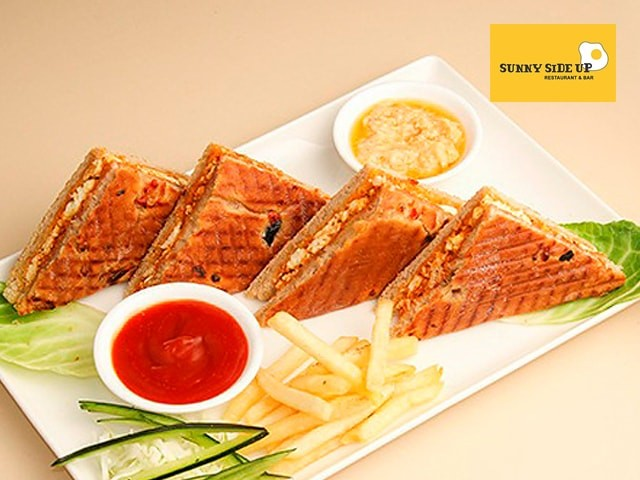 Sunny Side Up Jalandhar -Non Veg Wrap + Mocktail / Aerated Beverage in Rs.199 Only