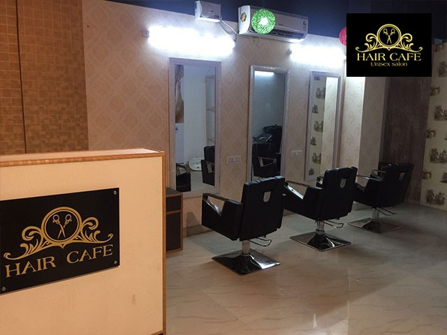 Hair Cafe-Get Full Arms +Full Legs +Under Arms Chocolate Waxing in Just Rs. 199