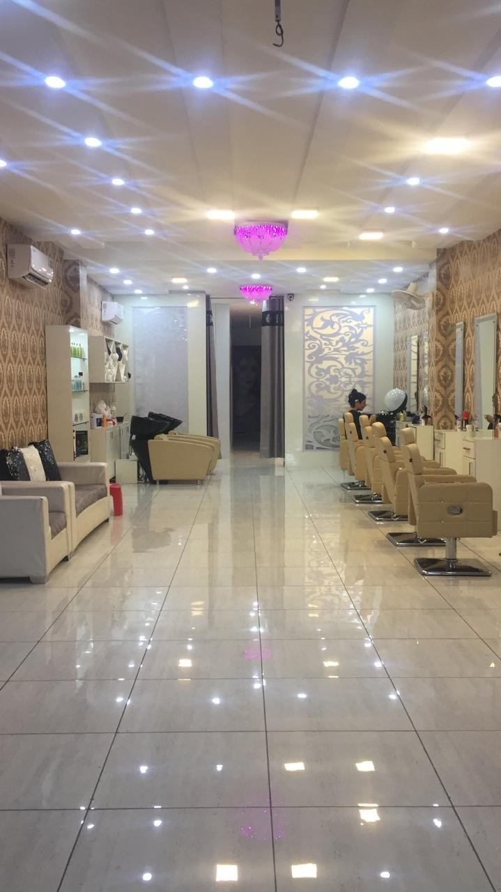 Elegent Beauty Unisex Salon - Get Tattoo service 499Rs per Inch