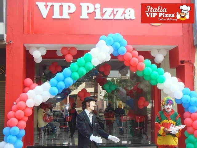 Italia VIP Pizza Chandigarh- Cheese Twisties And 1 Soft Drink (All Taxes Included) in Rs. 89 Only