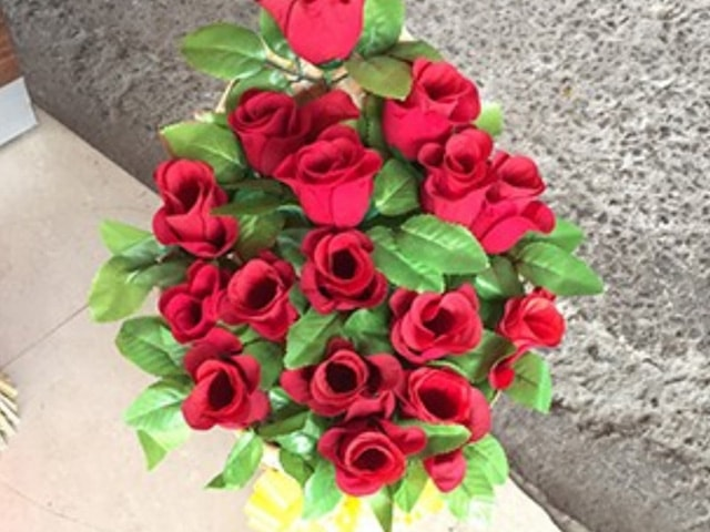 Get Bouquet Of Beautiful Flowers In Rs. 250 at New Jaggi Patiala ...