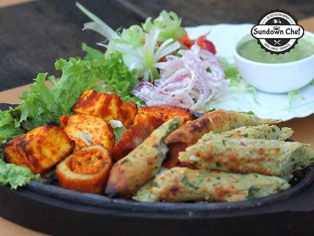 Sundown Chef - Get Veg party platter for 4 @ 725/- 1 Paneer Tikka + 1 veg Seekh kebab + 1 Dal Makhani + 1 Karachi chicken + 4 Roti + 2 butter Naan