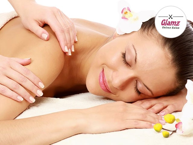 Glamz Salon Phase 10 Mohali - Get Back Polish Massage + Cleansing + Scrubbing + Pack  in Rs. 999 Only